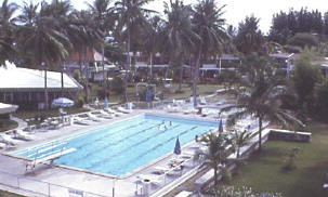pattaya beach swimming pool